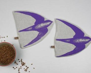 Verlosung: Handgemachte Bio-Körnerkissen mit Schwalben Siebdruck