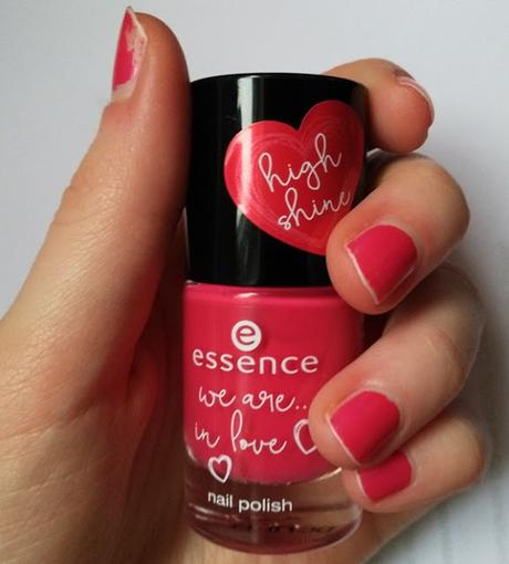 essence we are ... in love nail polish 02 Pink Party only with you (LE) + essence we are ... awesome multicolour blush 01 You & me = awesome (LE) + Backstage Make up Gewinn :)