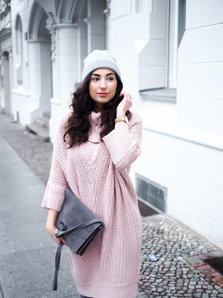 Casual Valentines Day Outfit valentinstags look pink knitted dress strickkleid rosa oversize coat oasis dorothy perkins overknee boots overtheknee stiefel romantic winter look casual streetstyle blogger modeblog berlin samieze