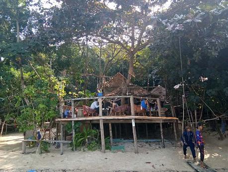 bar-103-treehouse-bay-koh-ta-kiev-insel-kambodscha