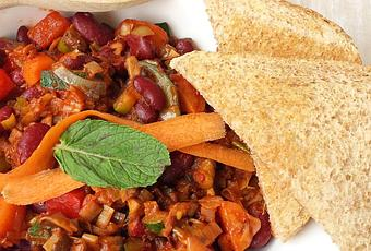 Schnelle vegane Küche | Scharfe Bohnen-Gemüse-Pfanne