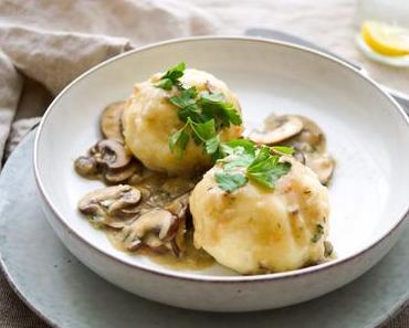 Kartoffelknödel mit Pastinaken und Pilzsoße