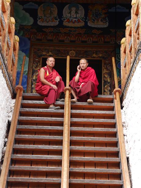 Mönche im Dzong Punakha