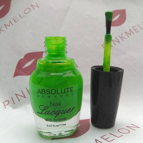 Absolute New York Nail Lacquer Neon Green + Odol-med 3 Extra White Zahncreme