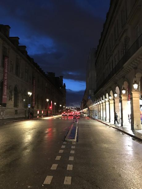 Paris by night- Valentino - blue sky and I'm singing in the rain