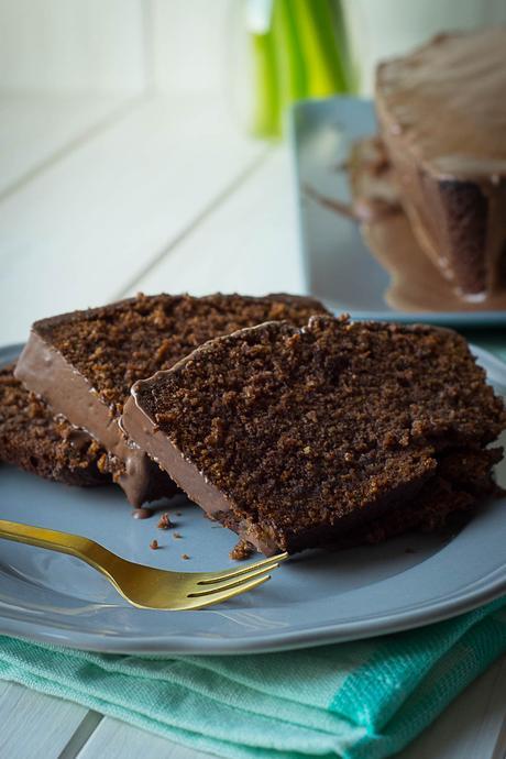 Saftiger Schokoladenkuchen mit Schokoglasur