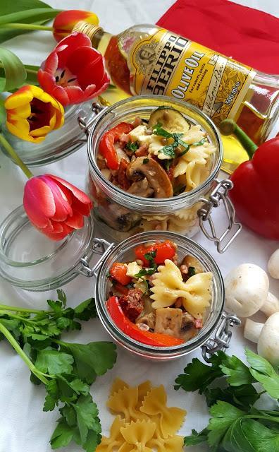 Italienischer Nudelsalat mit Anti-Pasti-Gemüse [Kooperation Filippo Berio]