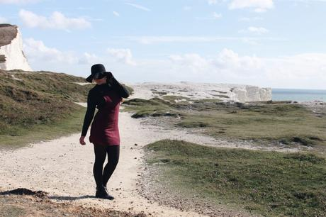 Wenn du gehst – Outfit mit Latzrock in Wildlederoptik