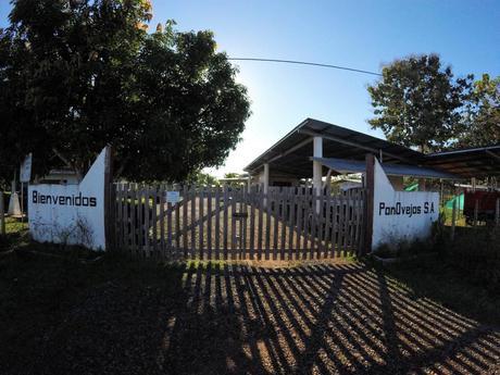 Der Eingang zur organischen Schaf- und Ziegenfarm PanOvejas bei unserer Erfahrung mit Workaway