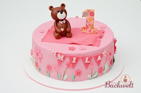 Ein kleiner Bär zum ersten Geburtstag