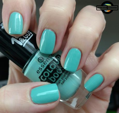 [Nails] LACKphabet: F wie Freihand mit essence COLOUR boost high pigment nail paint 06 instant happiness