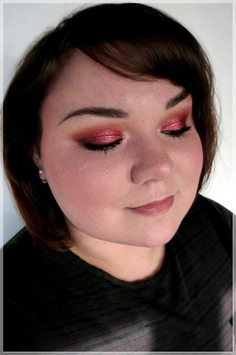 red smokey makeup look