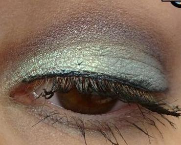 [Eyes] Kat Von D alchemist holographic palette - {green} emerald