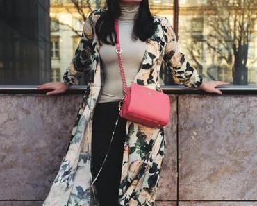 Wrap-Dress-Outfit: So style ich das Wickelkleid mit Blumenmuster im Frühling!