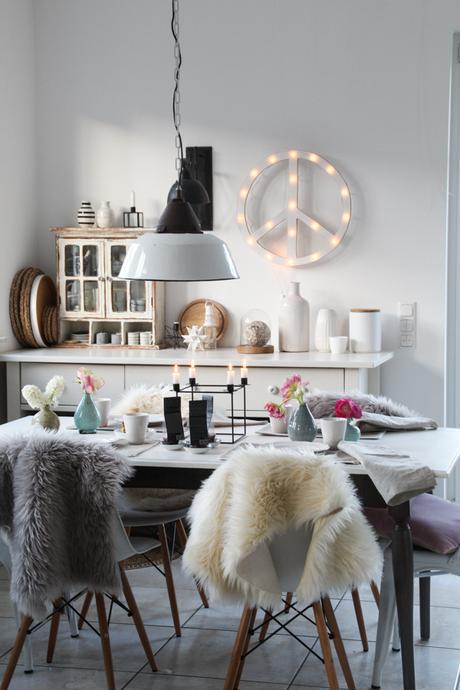 Frühlingshafte Gestaltungsideen Kaffeetisch Küche Interior