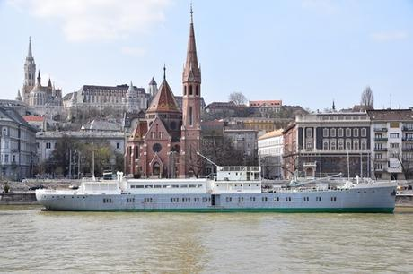 05_Flusskreuzfahrt-a-rosa-Donau-Kirche-Budai-Reformatus-Egyhazkoezseg-Budapest-Ungarn