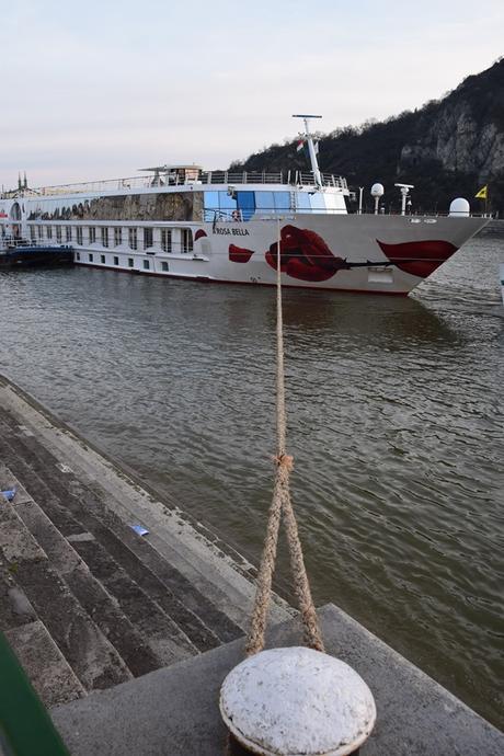24_Flusskreuzfahrt-a-rosa-bella-Donau-Anleger-Budapest-Ungarn