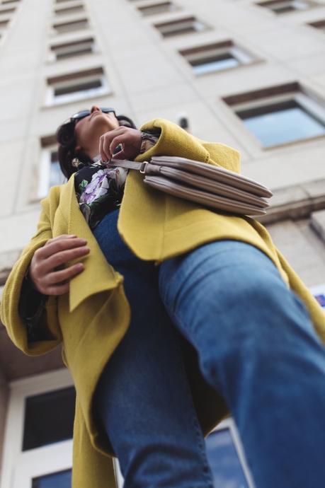 Kleidermaedchen.de Modeblog, erfurt, thueringen, leipzig, fashionblog, Fashion Blog, Magazin, Blogazine, kleidermaedchen.de, Influencer Marketing und Kommunikation, Creator, Frühlings Outfit, Jessika Weisse, Fashionblog, Fashion Magazin, Fashion Blog, Outfitblog, Frühlingsoutfit, Frühlings Outfit mit Noisy May Mom Jeans, Liu Jo Bag und Burberry Sonnenbrille