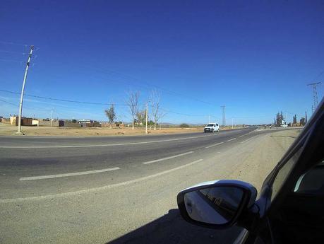 straße-marokko-auto-mieten-road-trip-landschaft-probleme