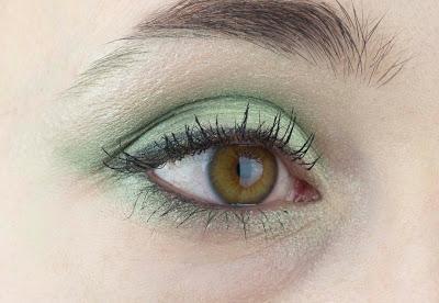 Make Up Factory Gruner Lidschatten Look