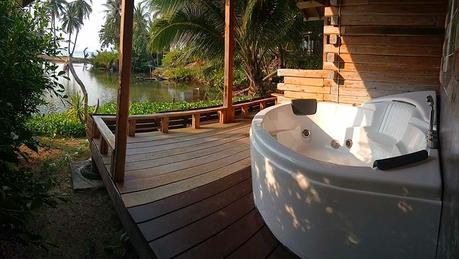 bungalow-koh-kood-privat-unterkunft-insel-thailand-pool