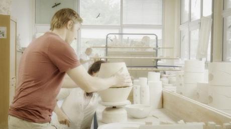 gr nes gedenken die erste bepflanzbare urne der welt. Black Bedroom Furniture Sets. Home Design Ideas