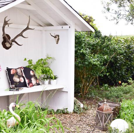 deko f r das teichhaus und mein garten im mai. Black Bedroom Furniture Sets. Home Design Ideas