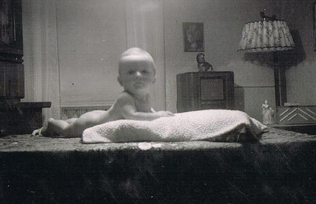Alte Kinderfotos: Babybilder mit Stich