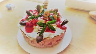Erdbeer-Biskottentorte...