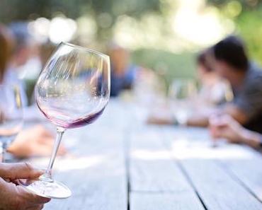 Vorankündigung: Viktualien & Wein – Das Marktfest - + + + 210 Jahre Viktualienmarkt + + 13 Weinhütten ++ 3 Tage (29./30.6 + 1.7) ++ am Viktualienmarkt + + +