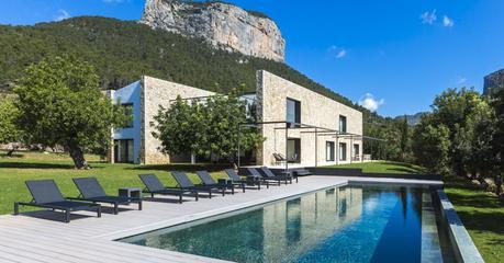 Mallorca zwischen Burg und Bergwerk – Immobilienmakler offeriert Luxus-Finca auf historischem Boden