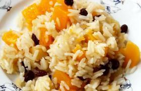 Reis mit Kürbis und Rosinen