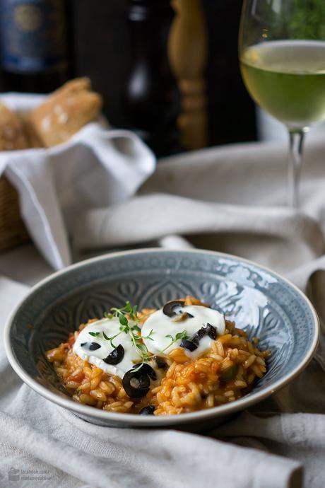 tomaten risotto mit oliven und mozzarella. Black Bedroom Furniture Sets. Home Design Ideas