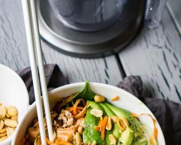 Asiatischer Salat mit Lachs [enthält Werbung]