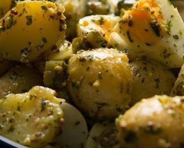Leichter Kartoffelsalat mit Eiern und Senfdressing