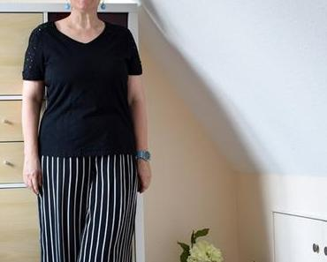 Weite gestreifte Hose in zwei Kombinationen – liebe Deinen Körper!