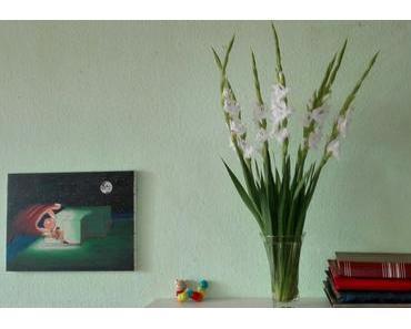 Foto: Stillleben mit weißen Gladiolen