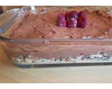 Low Carb Schoko-Nugat-Kuchen mit Himbeeren