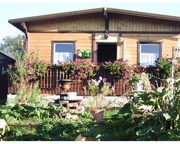 Gartenhaus aus alten Container selbst gebaut