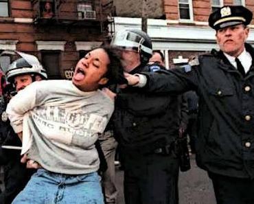 Polizisten in den USA als Terrortruppe