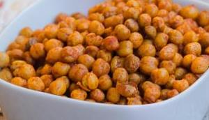 Apéro Knabbereien: Roasted Chickpeas geröstete Kichererbsen geräuchertem Paprika