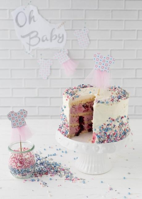 Gender Reveal Cake für eine Baby Shower