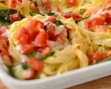 Spinat-Lachs-Nudelnester aus dem Ofen