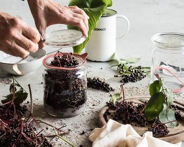 Rezept: Holunderbeeren Sirup | homemade Elderberry Syrup