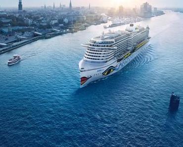 AIDAprima auf der großen Bühne der Hamburg Cruise Days