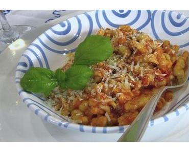 Auberginen-Gnocchi mit frischer Tomatensauce