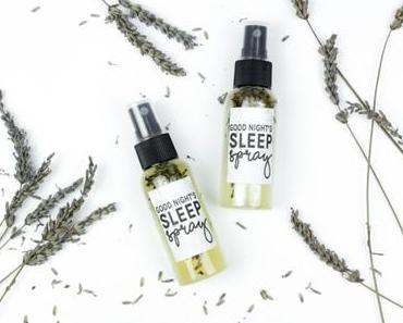 A Good Night's Sleep: Lavendelspray selber machen (+Freebie)