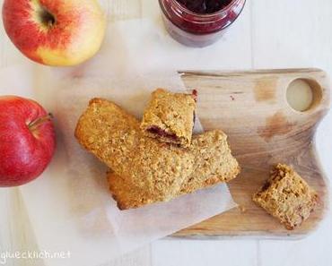 Müsliriegel mit Fruchtfüllung – der perfekte Snack to go!