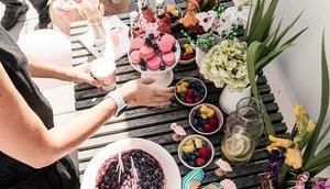 Backen ohne Backrohr aber Gefriertruhe oder bake Heidelbeer-Mascarpone-Torte Cantucciniboden
