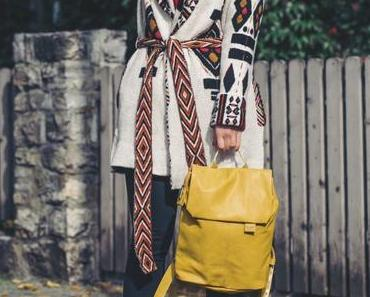 Herbst Outfit mit ZWEI MADEMOISELLE.M Rucksack, Topshop Jeans und gemütlichem Cardigan